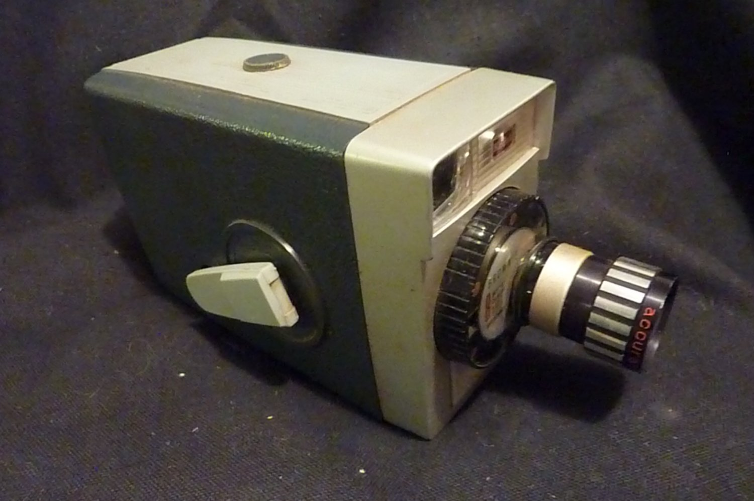 VINTAGE KODAK BROWNIE 8 MOVIE CAMERA WITH TELEPHOTO LENS