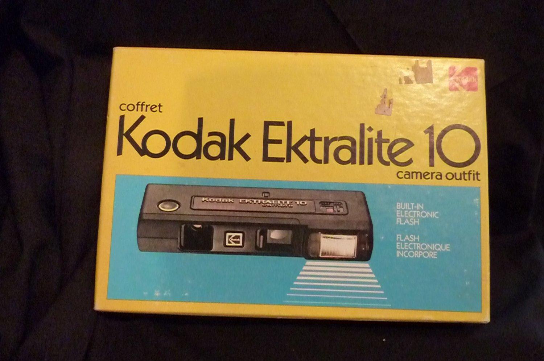 Vintage Kodak Ektralite 10 Camera Outfit in original box