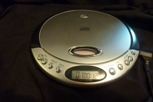 DuraBrand CD-566 Compact Disc Player-Mobile