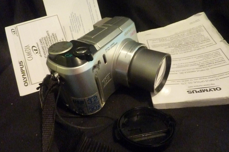 Olympus Camedia C-740 Ultra Zoom - 3.2-30x Digital Camera