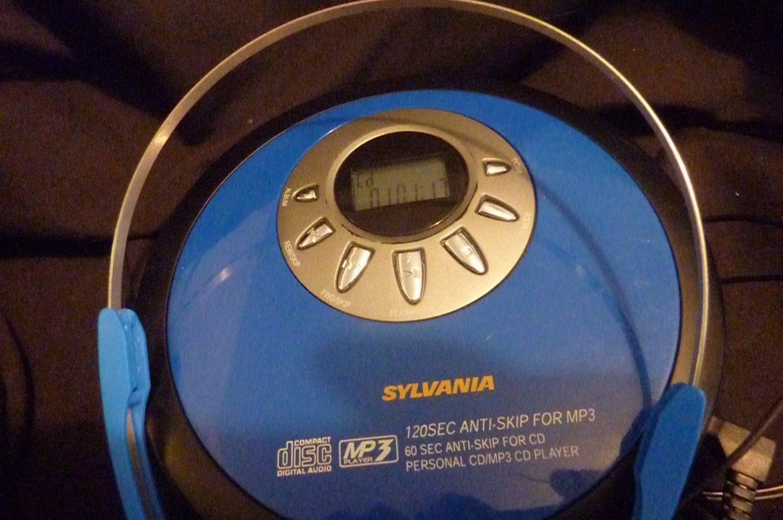 Sylvania SCDMP421 Portable CD/MP3 Player