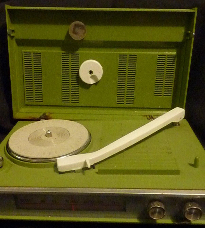 Vintage Sears AC/DC Solid State Radio Phonograph