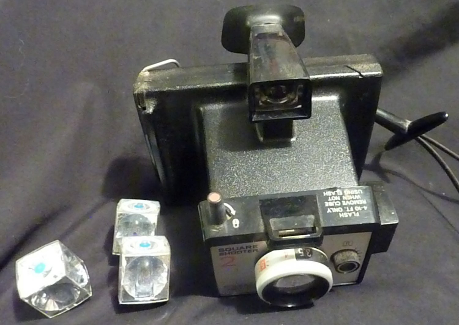 Polaroid Square Shooter 2 (Vintage) with 3 Flash Cubes