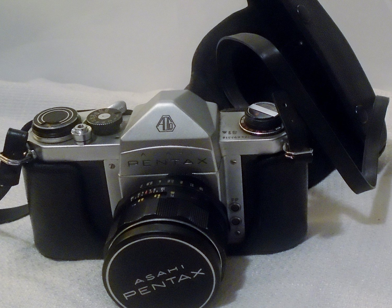 Pentax S1a Camera w/1:2/ 55mm F:2 Super Takumar Lens & Working Meter Complete Case