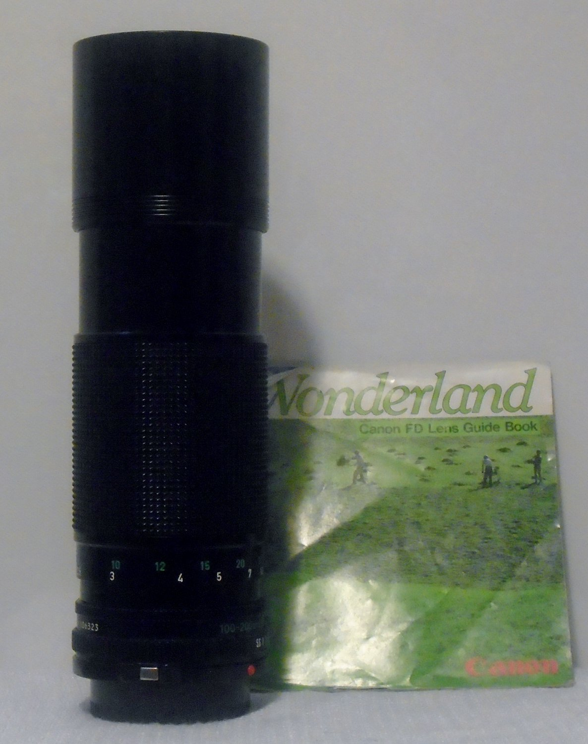 Canon Zoom Lens FD 100-200mm 1:5.6, Made In Japan With Case