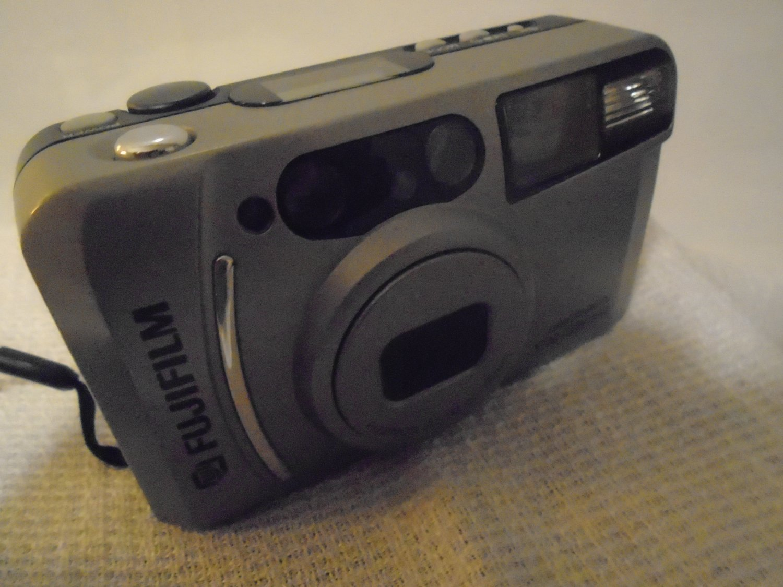 Fujifilm Discovery S700 Zoom Date Camera