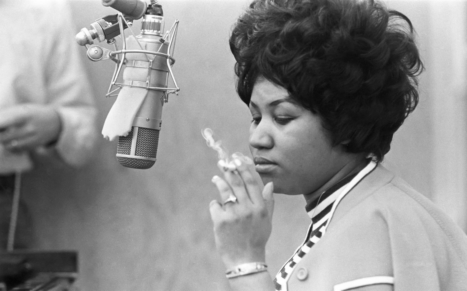 Aretha Franklin Cigar  18x28 inches Canvas Print