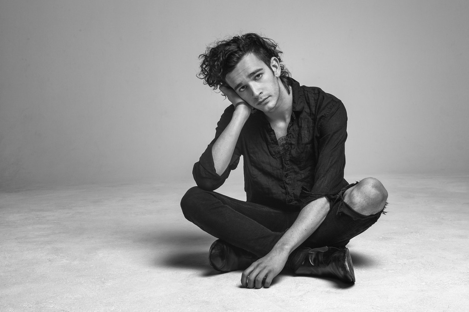 The 1975 Matthew Healy   18x28 inches Canvas Print