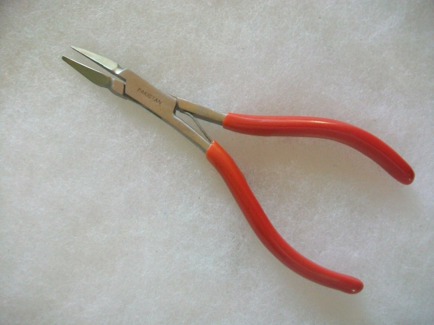 Bead Jewelry Pliers 6'' Serrated Jaws PVC Dipped Handles Spring Loaded