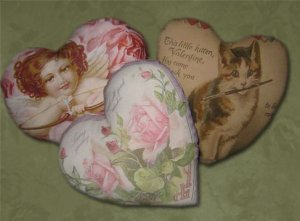 Printable Vintage Valentine Heart Pillows EC
