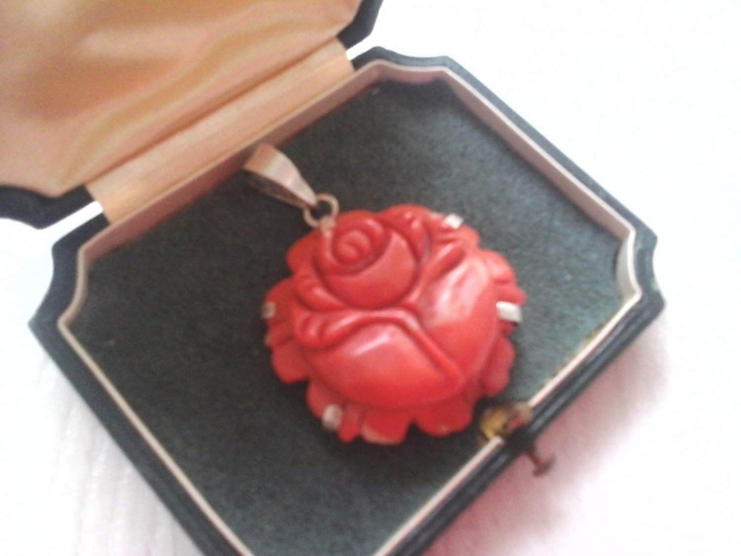 ROSE PENDANT IN RED CORAL AND SILVER ORIGINAL ITALY FROM BEGINNINGS OF 1900s