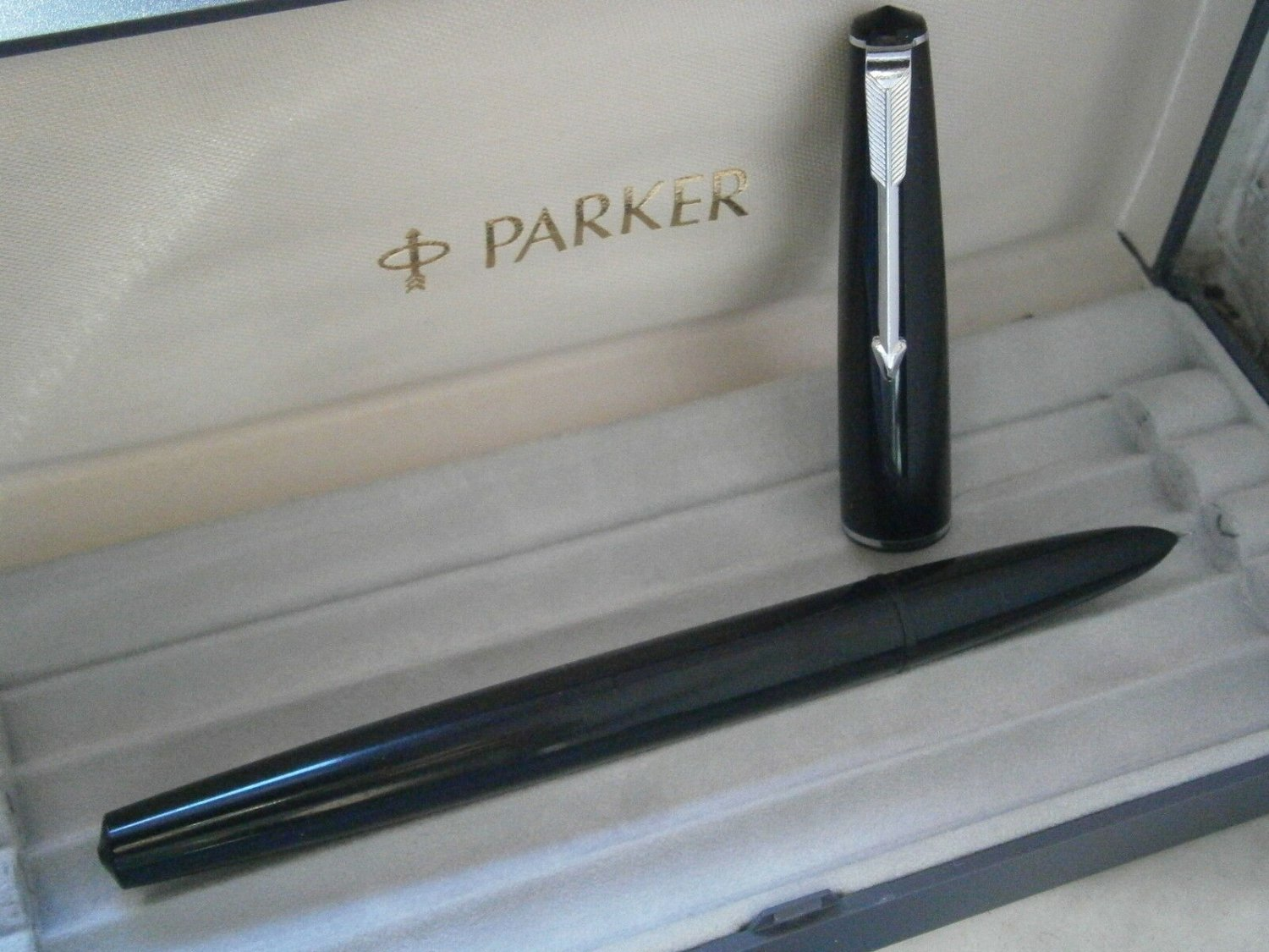PARKER 17 Black Fountain Pen ORIGINAL from 1970s Working