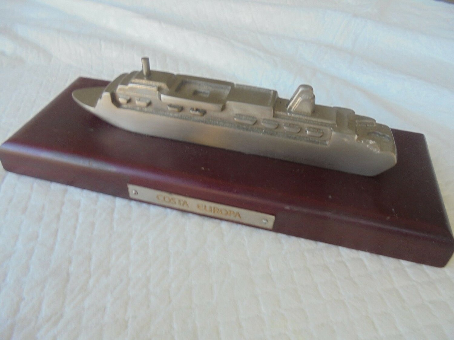 MODEL of the cruise ship COSTA EUROPA in metal and wood Original