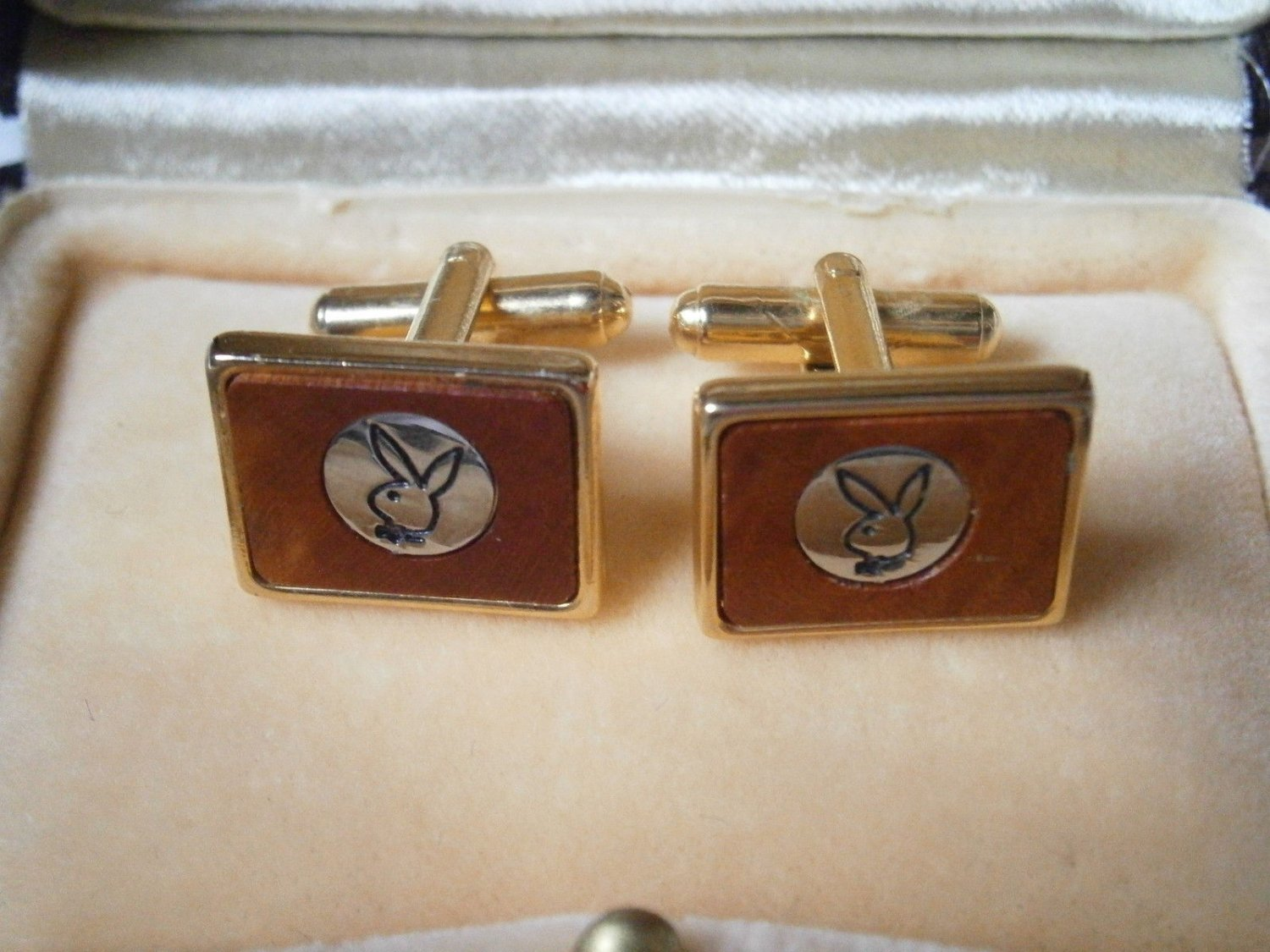 PLAYBOY CUFFLINKS cuff links gold color and lacque Original from 1980s in gift box