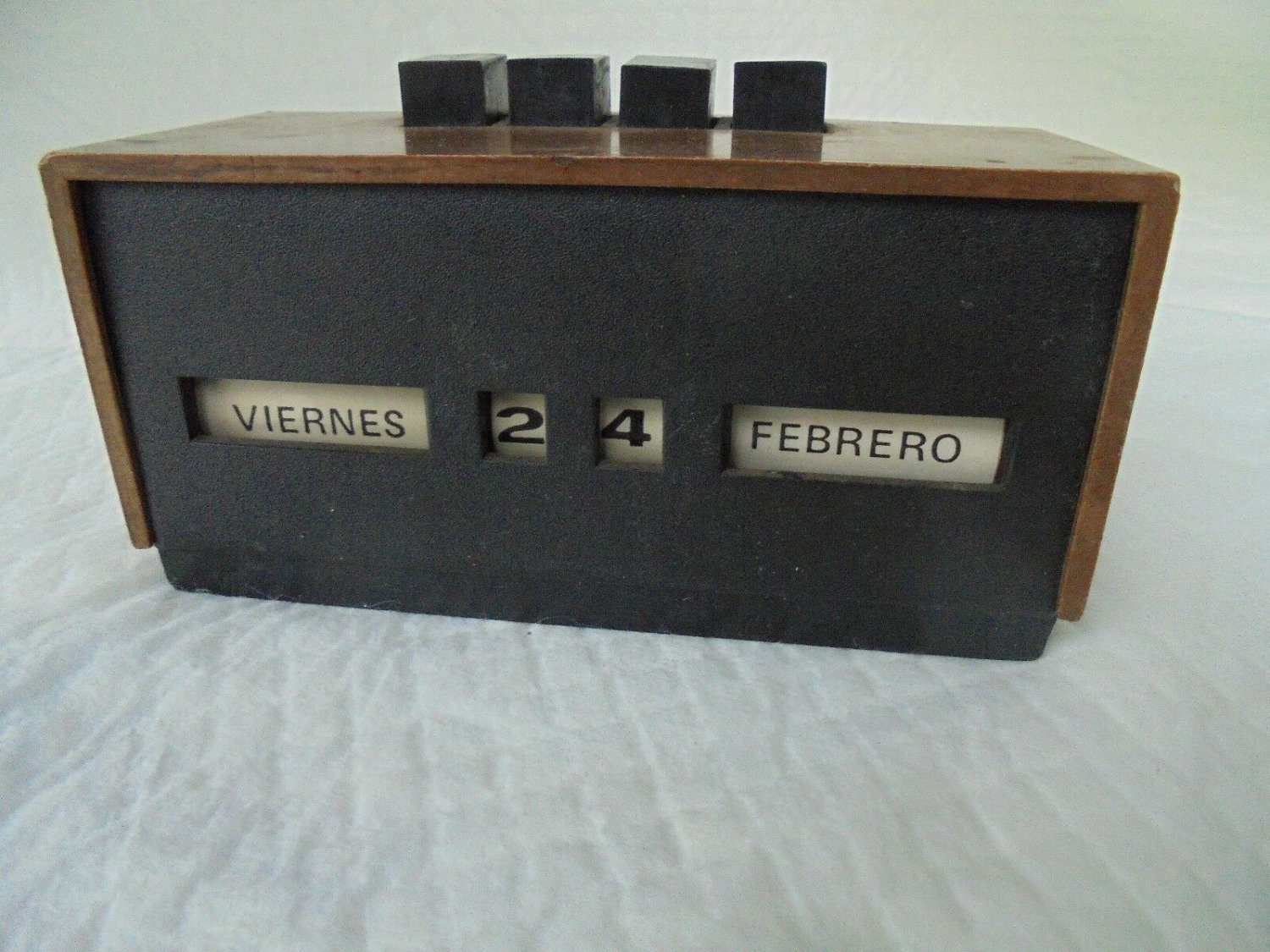PERPETUAL CALENDAR for desk or table Made in Spain Original from 1960s