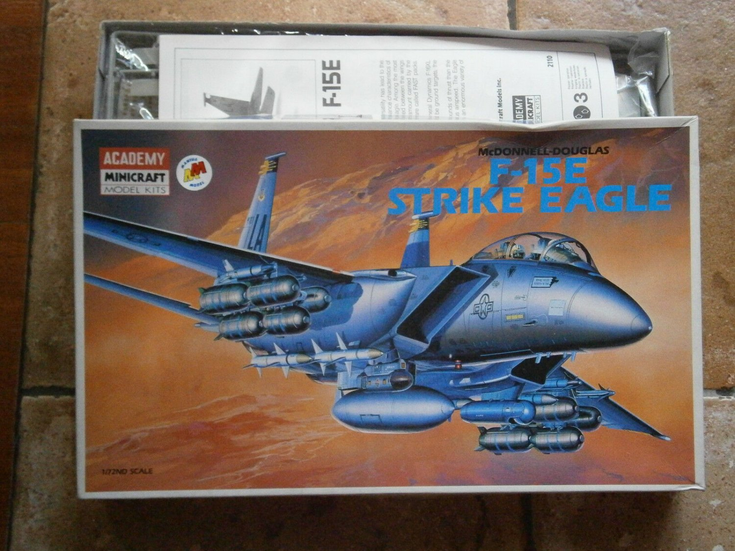 ACADEMY MINICRAFT Model KITS 2110 F-15E Strike Eagle Mc Donnel Douglas Original set 1991