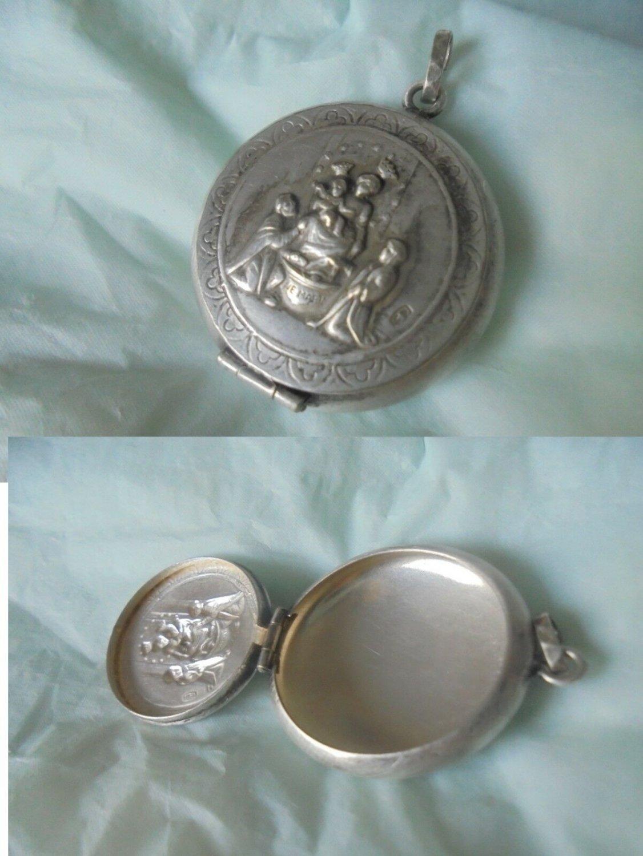 SAINT DOMINIC GUZMAN pill box pendent charm for necklace in Silver 800 Original 1960s
