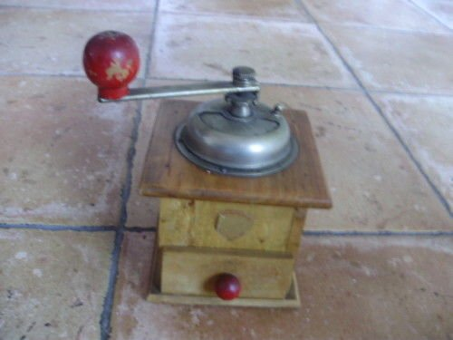 COFF COFFEE GRINDER in wood and metal Original from 1954 Working