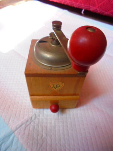 COFF COFFEE GRINDER in wood and metal Original from 1980s Working