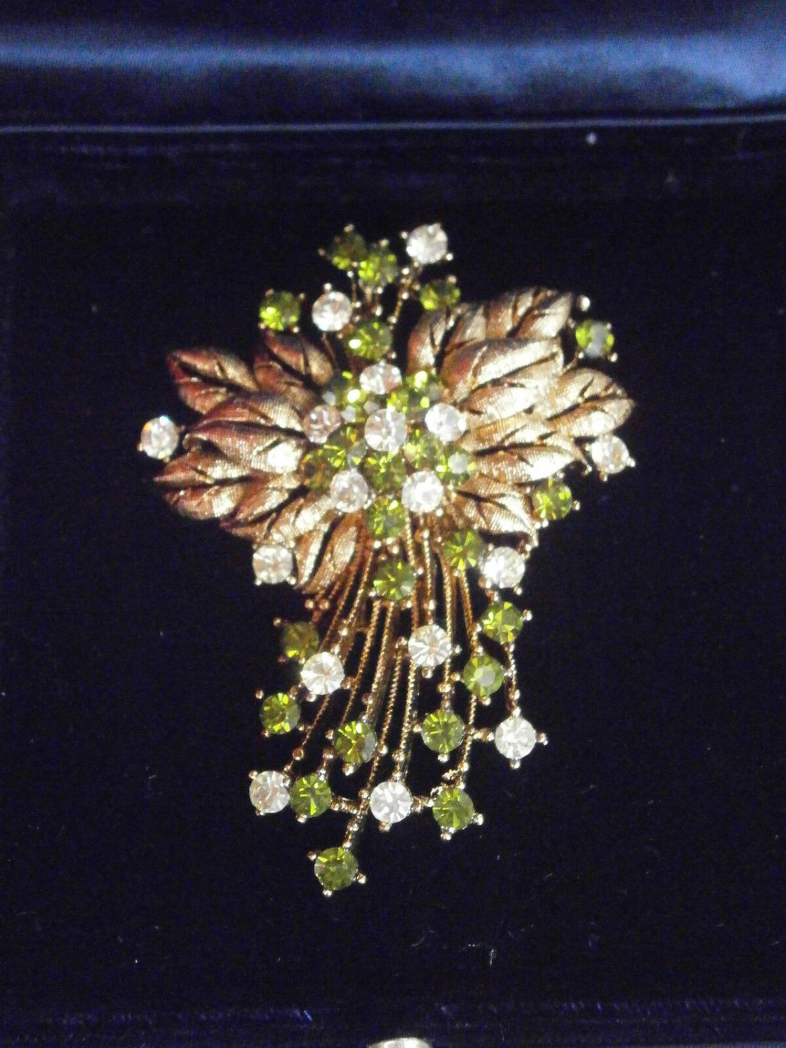 BROOCH with SWAROVSKI crystals and laminated GOLD Original in gift box