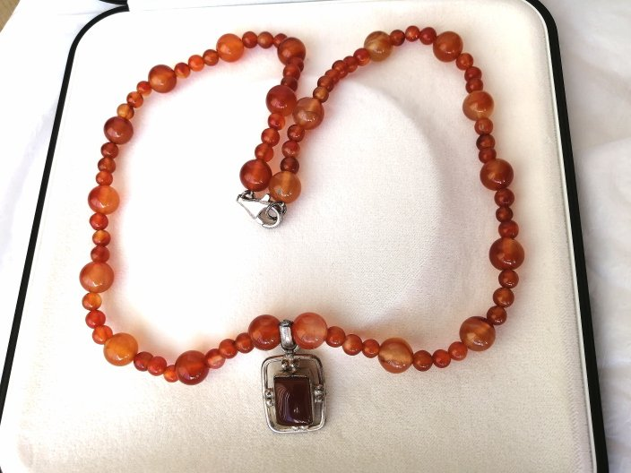 NECKLACE with CARNELIAN stone and SILVER sterling 925 rectangol pendent Original +box 1970s