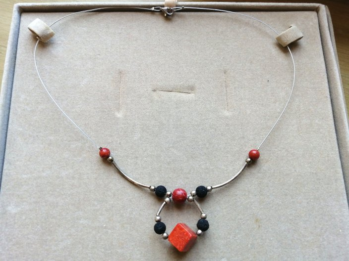 NECKLACE in STERLING SILVER 925 with red and black stones in gift box Original