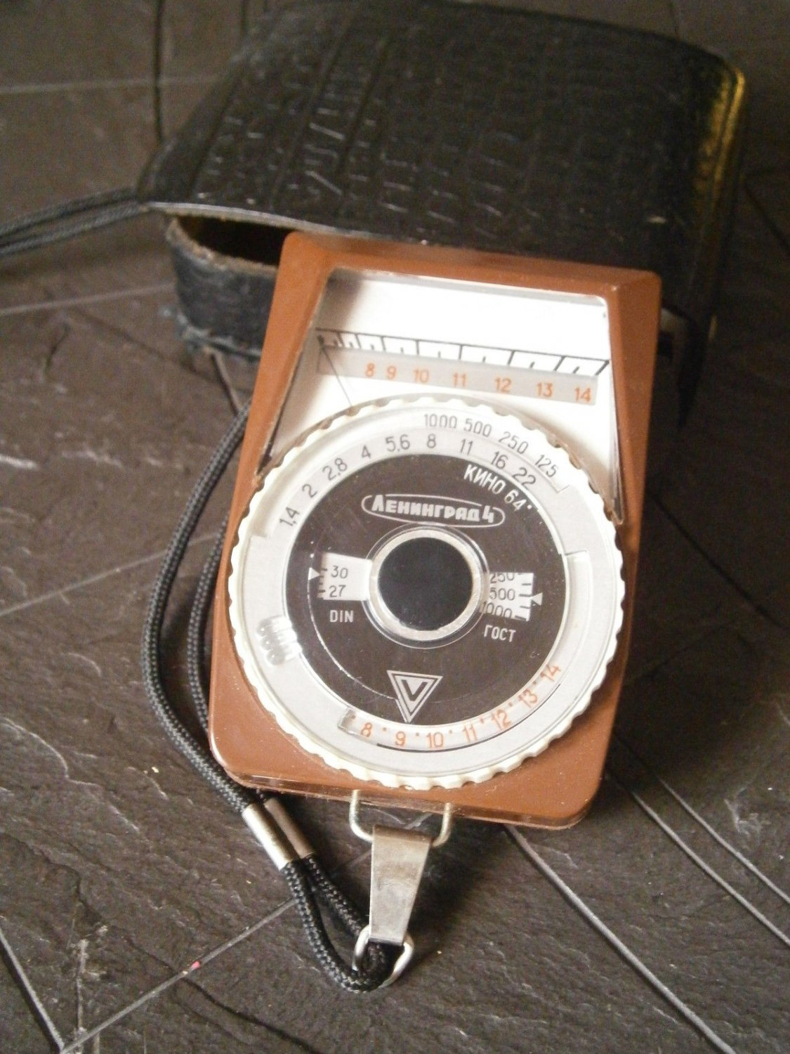 Original EXPOSURE CALCULATOR Light Meter from ex URSS Russia working 1950s