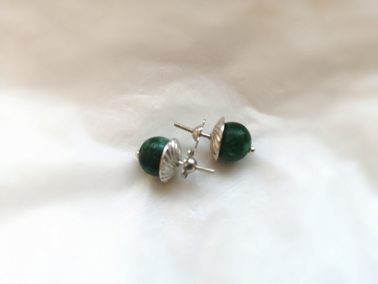 STUD EARRINGS in SILVER 800 and with Jade stone Originals