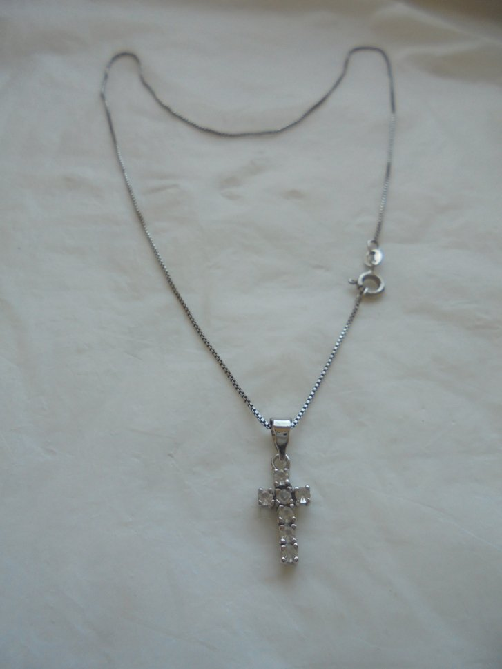 NECKLACE in SILVER STERLING 925 and cross pendent white zircons stones Original in gift box 1970s