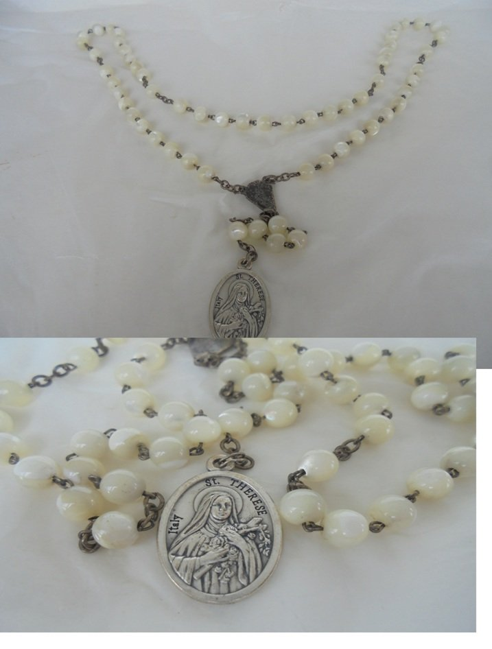 SAINT THERESE praying rosary with beads in mother of PEARL Original 1960s