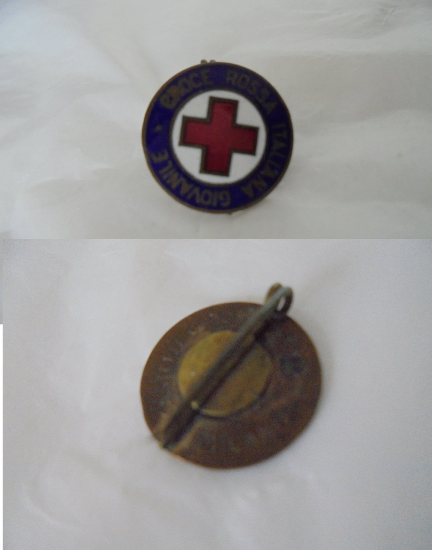 RED CROSS Italian PIN Lacquè Youth Voluntaries Original Italy 1960s