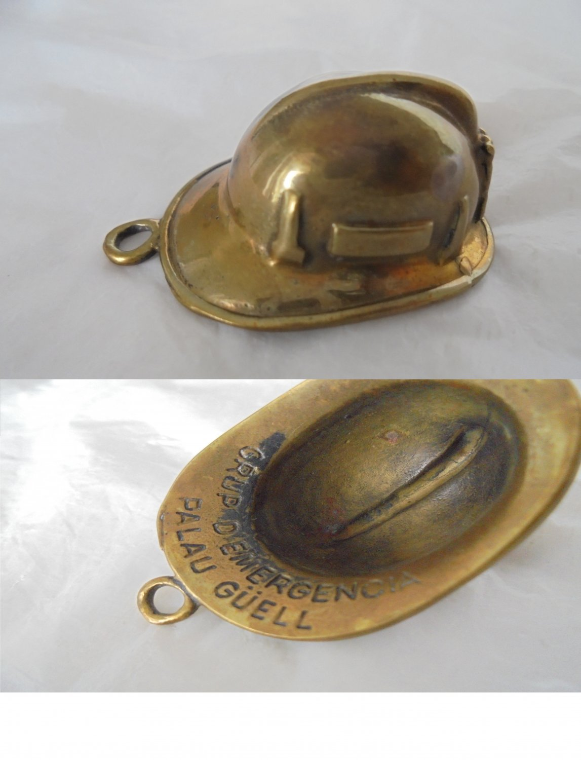 BOMBEROS SPAIN Palau Guell firefighters helmet pendent charm in bronze 1960s Original
