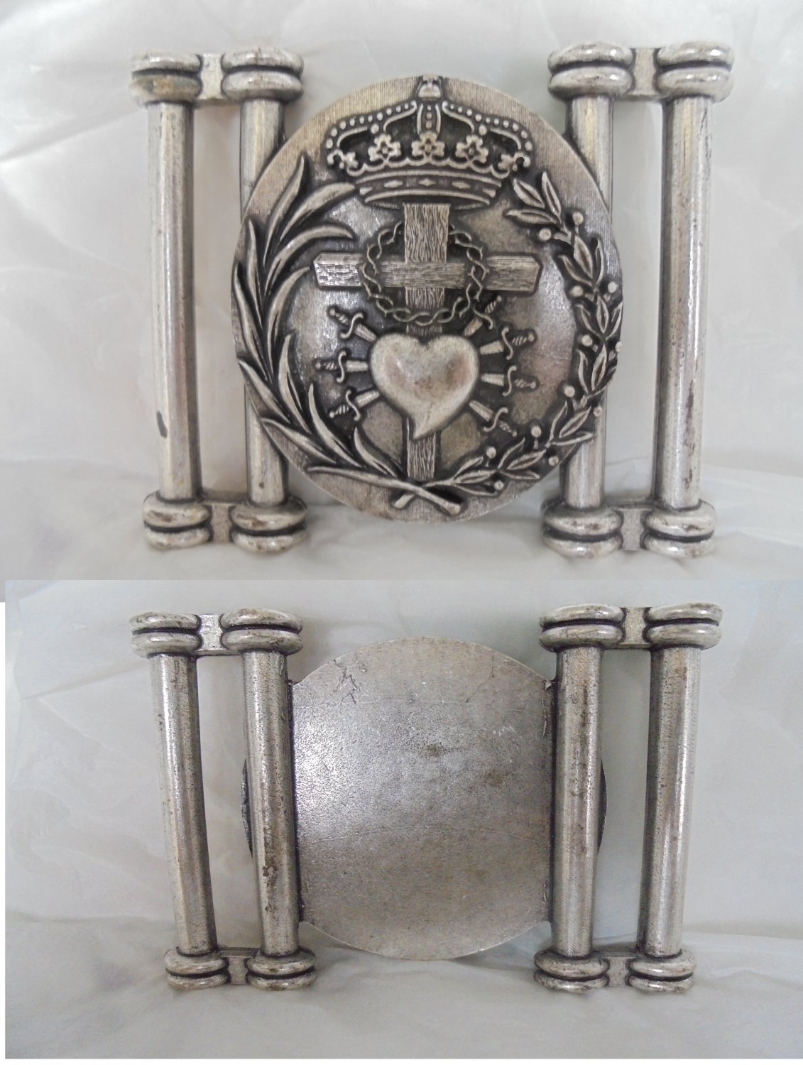 MEDAL or Belt buckle in metal of Our Lady of Sorrows Original 1980s