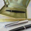 PARKER 51 original fountain pen black and steel Nib 14K Original in box 1950s