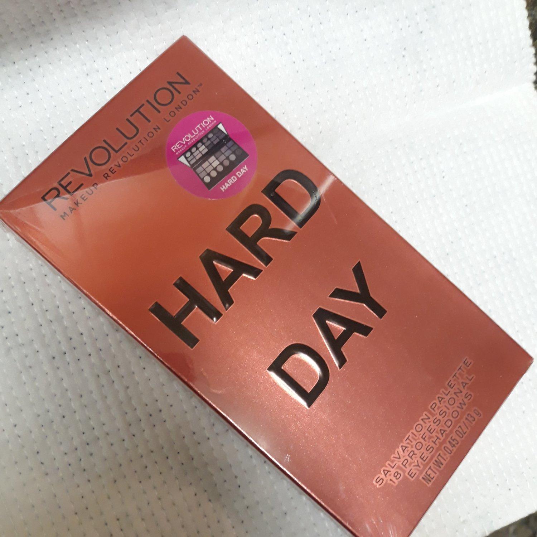 Makeup Revolution London Salvation palette Hard Day Ltd Edition