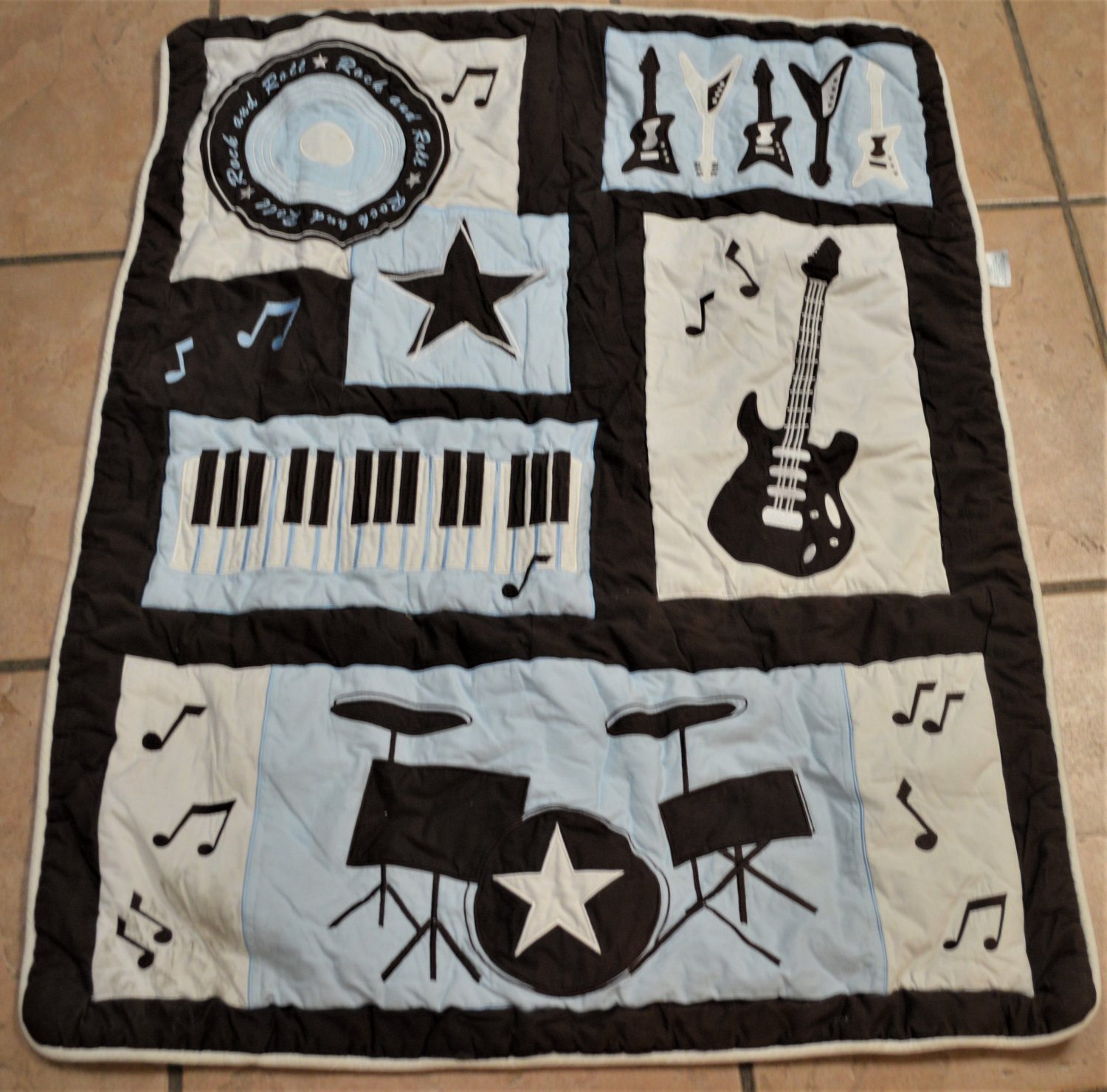 Musical Rock and Roll Crib Bedding Set. Very Nice - Free Shipping