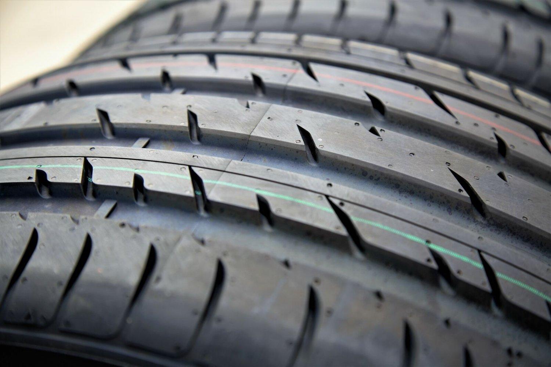 Haida HD927 285/35ZR22 285/35R22 106W XL High Performance Tire