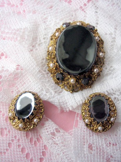 Black Gold Pearl