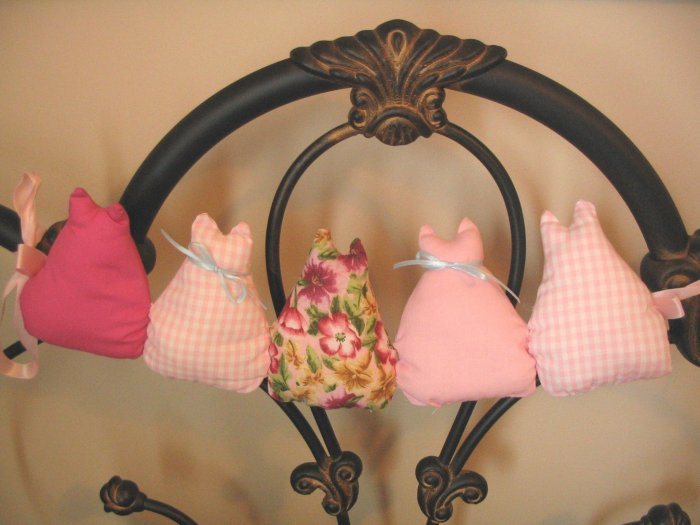 Handmade quilted cat garland PINK Gingham unique gift