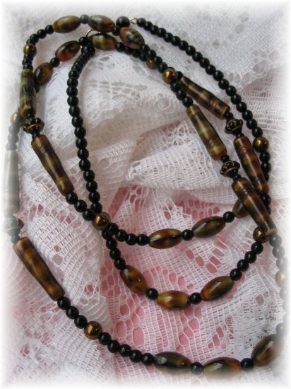 Black Onyx and glass beaded vintage jewelry necklace