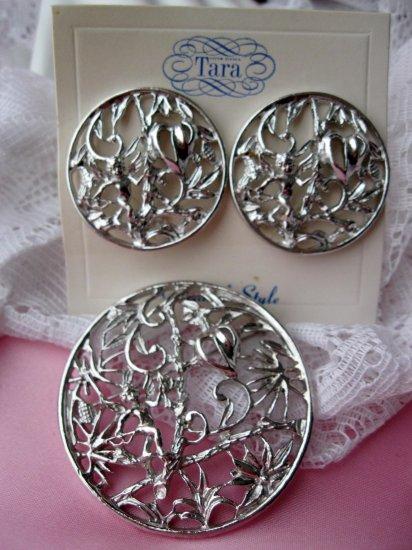 Vintage Signed pin earrings by Tara Angel Set called Heart Hunter
