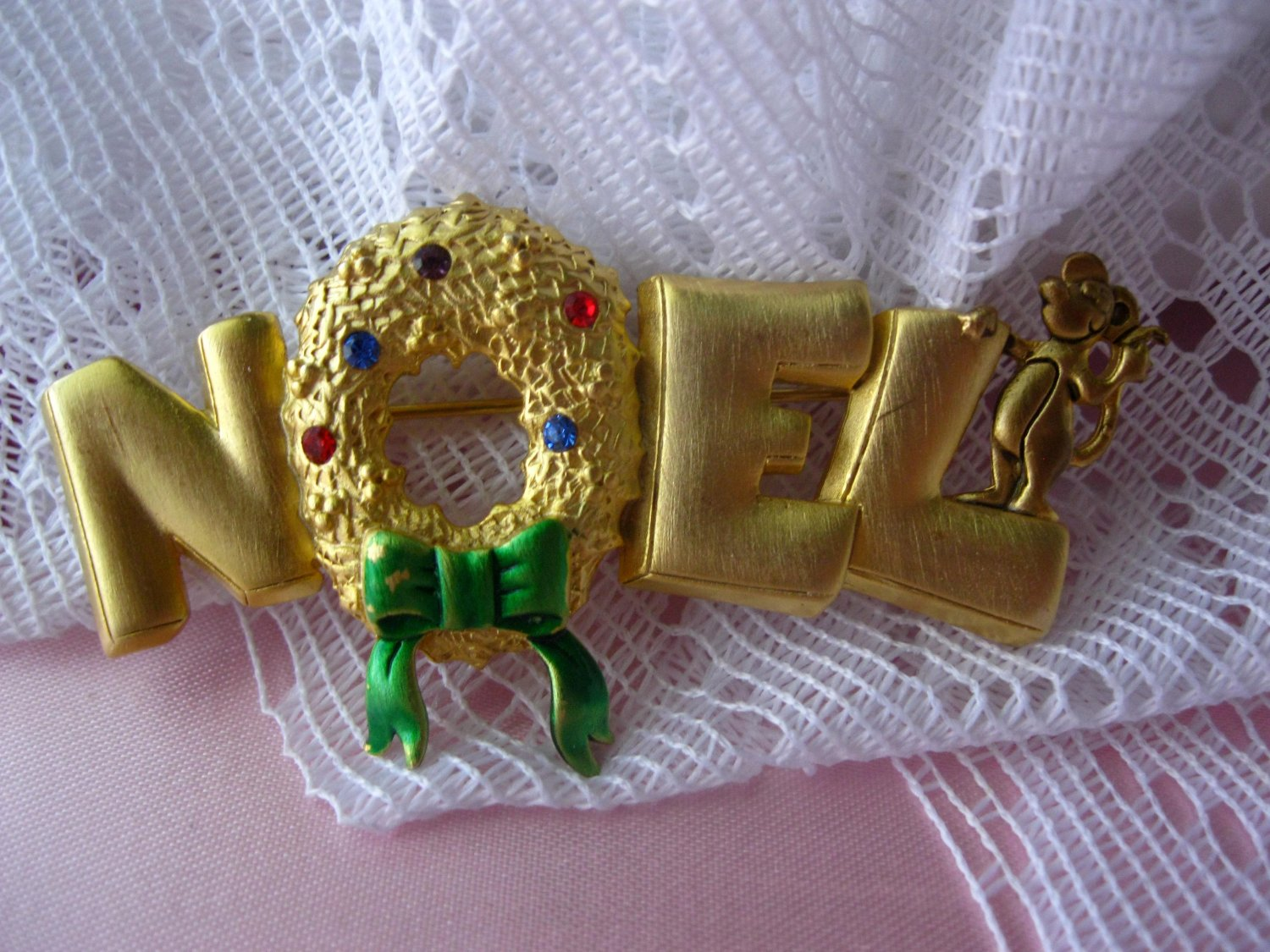 Noel Signed Christmas Pin Signed by JJ