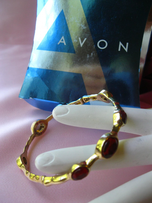 Avon Bejeweled Stackable Bangle,bracelet,avon,berry,goldtone,jewelry,