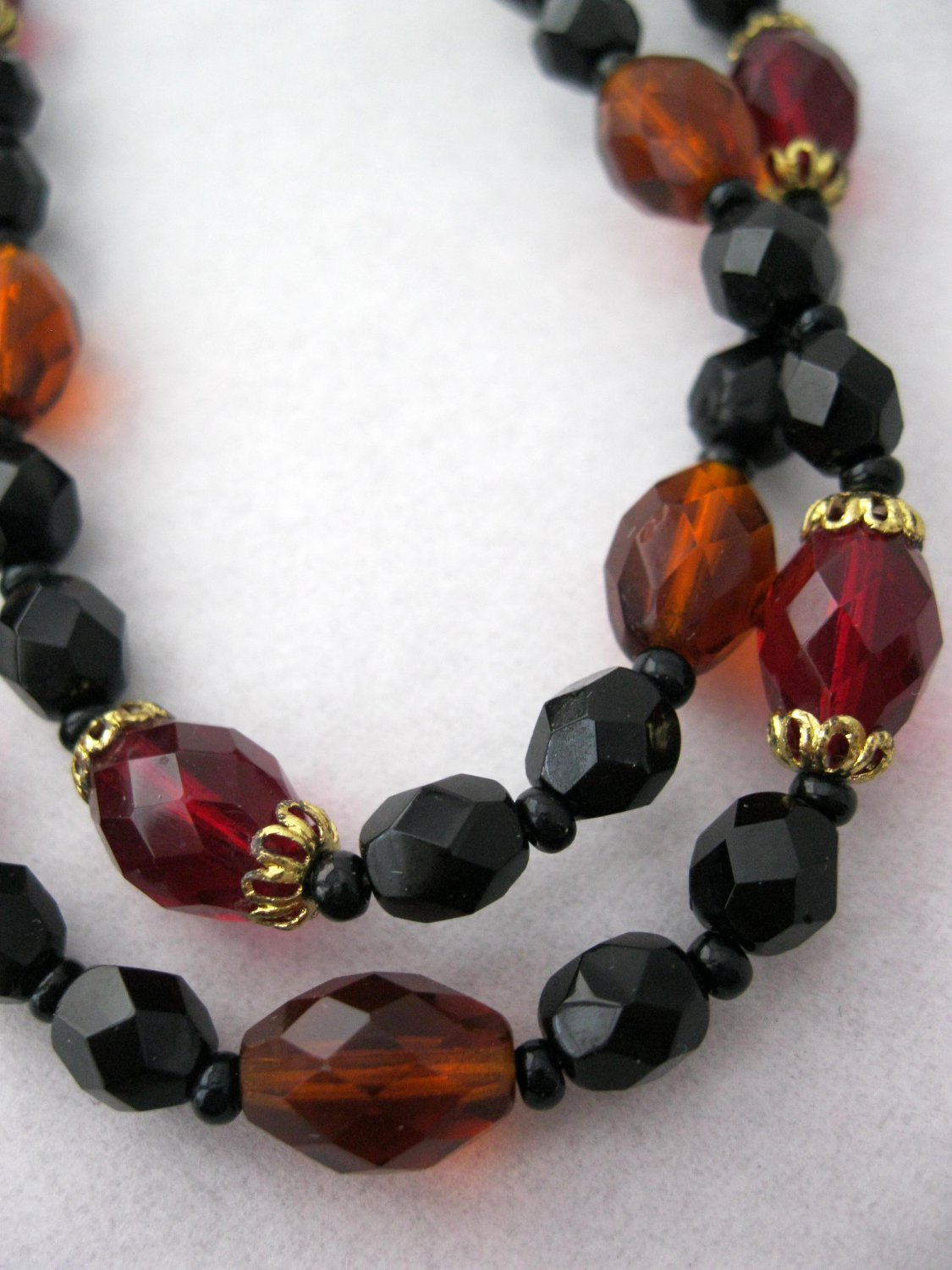 Glass crystal beaded necklace - vintage jewelry