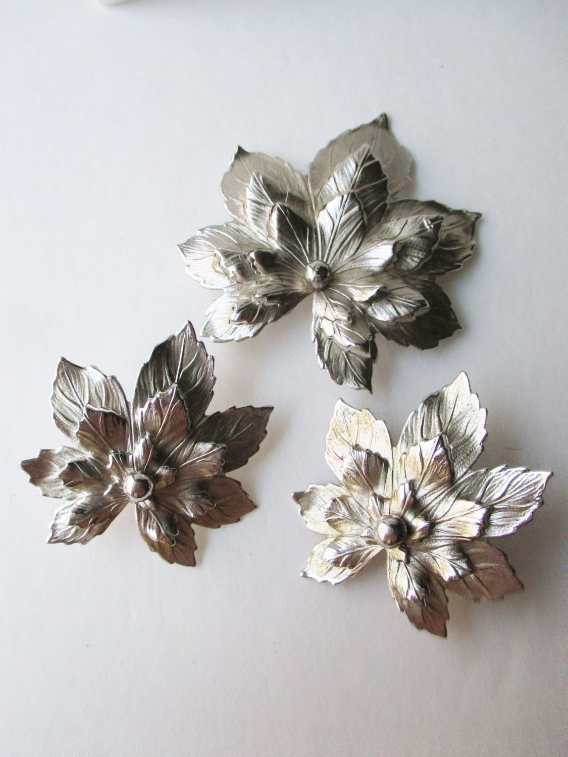 Sarah Coventry Demi Silvery Maple demi earring pin set