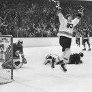 BOBBY CLARKE 8X10 PHOTO PHILADELPHIA FLYERS NHL PICTURE HOCKEY GOAL