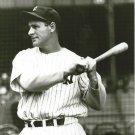 LOU GEHRIG 8X10 PHOTO NEW YORK YANKEES NY BASEBALL MLB PICTURE 3/4 LENGTH