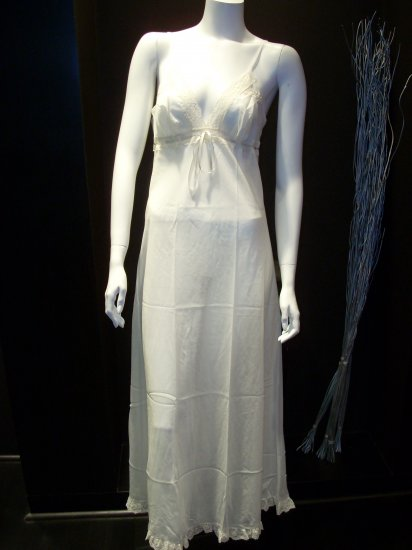 LETTERS OF MARQUE LONG GOWN NEGLIGEE