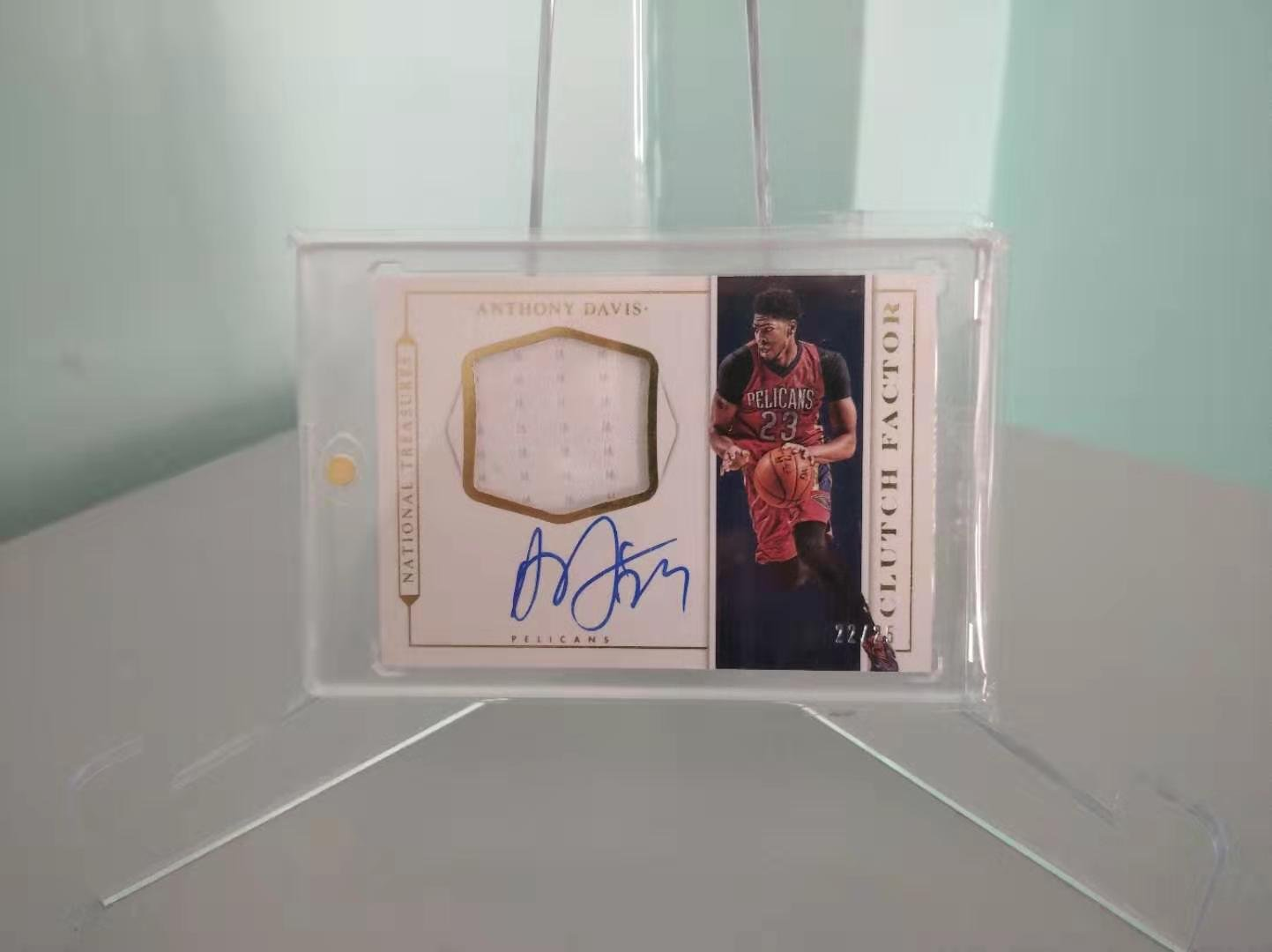 2015-16 Panini National Treasures ANTHONY DAVIS Trading Card #/25 Game Worn Patch
