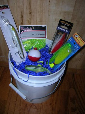 "Saltwater Fishing Gift Basket, ""Skipper"" skip002b"
